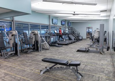 Plenty of space to workout at Workout Club in Salem copy